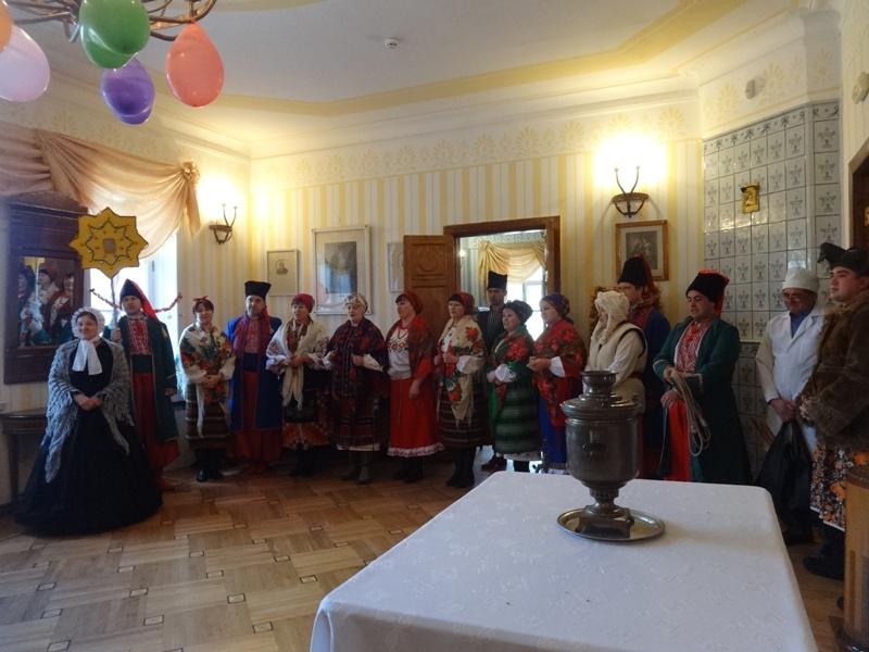 Земляки Гоголя и Кочубея поделились с харьковчанами праздничными традициями (фото, видео)