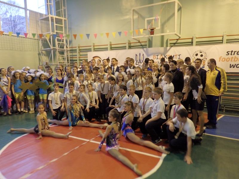 Харьковские дети напали на украинскую легенду (ФОТО)