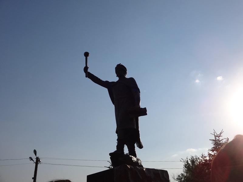 Памятник Мазепе под Харьковом. Кому и зачем он понадобился