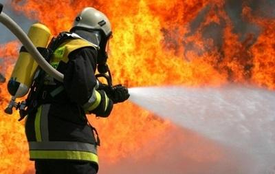 Пожар на Салтовке тушили все утро (ФОТО)