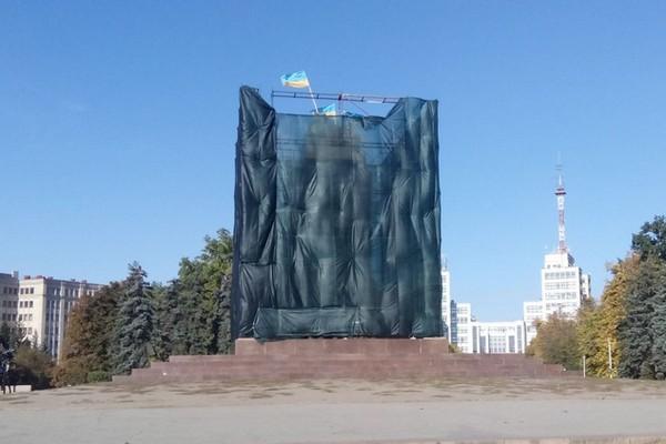 Вместо Ленина появится новый памятник