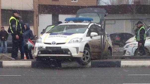 Полиция и городской транспорт стали жертвами непогоды в Харькове (ФОТО)