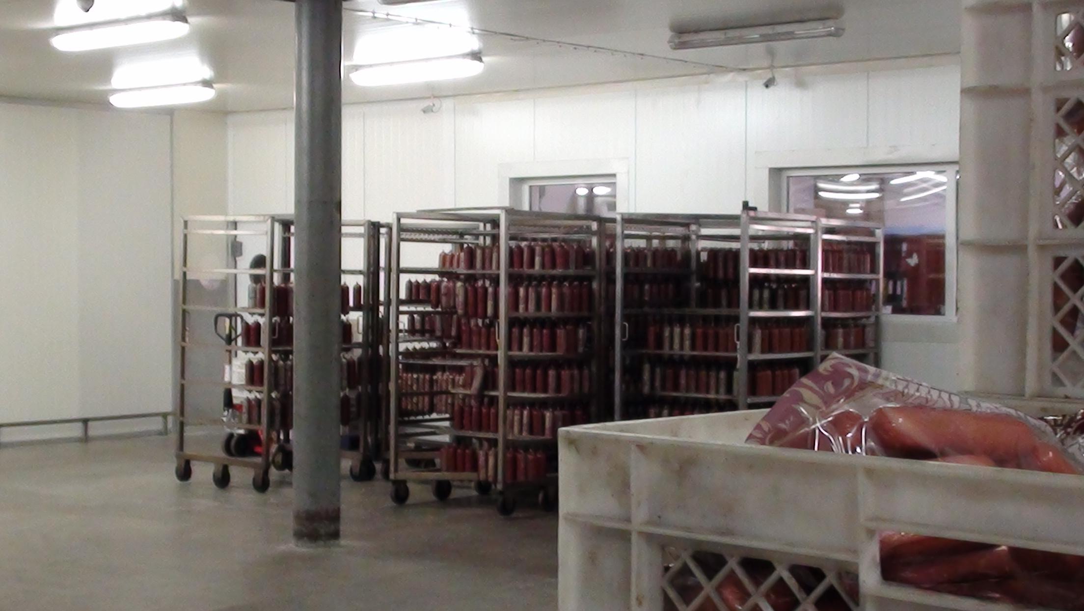 Харьковская колбаса попала в черный список (ФОТО)