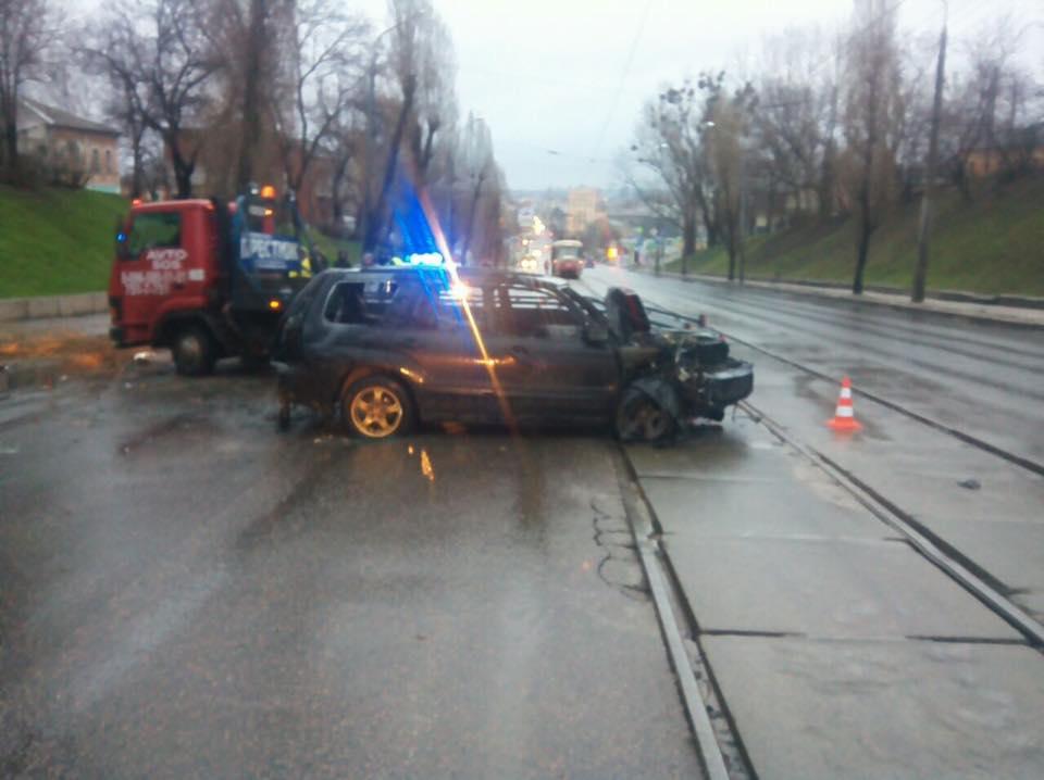 Пьяный водитель загубил коня (ФОТО)