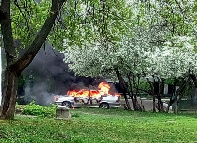 Огненный автомобиль напугал школьников (ФОТО, ВИДЕО)