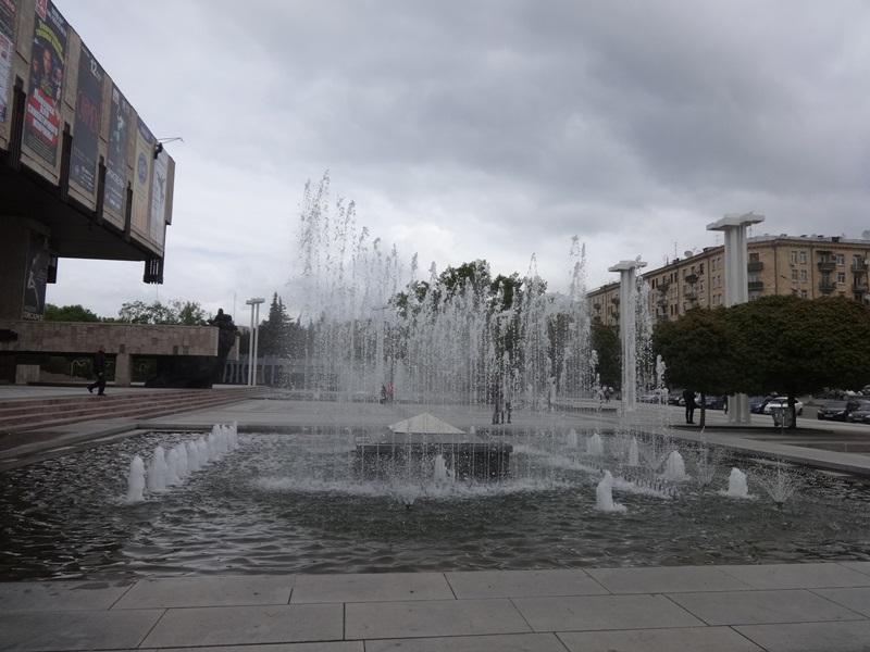 В Харькове вода пустилась в пляс (ФОТО, ВИДЕО)