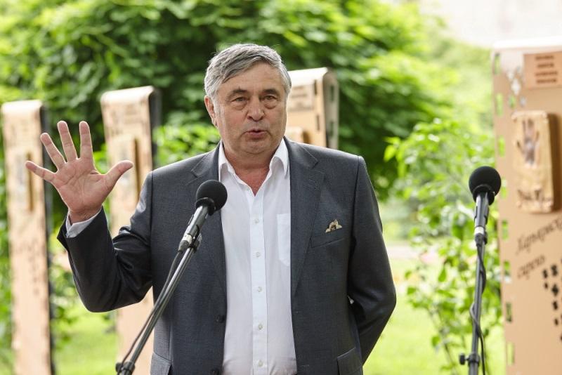 Известный актер в Харькове потерял дар речи