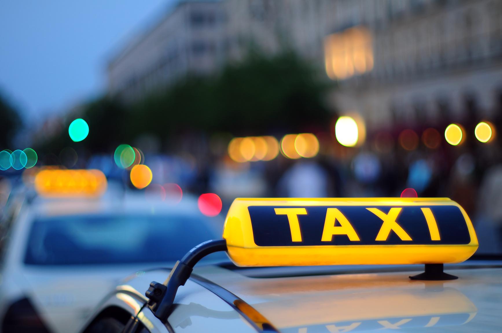 Харьковский таксист покалечил пассажиров (ФОТО, ВИДЕО)
