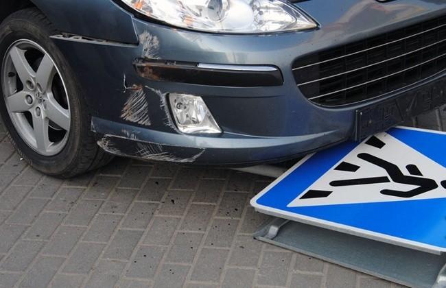 Знаковый пешеход пал жертвой автомобиля (ФОТО)