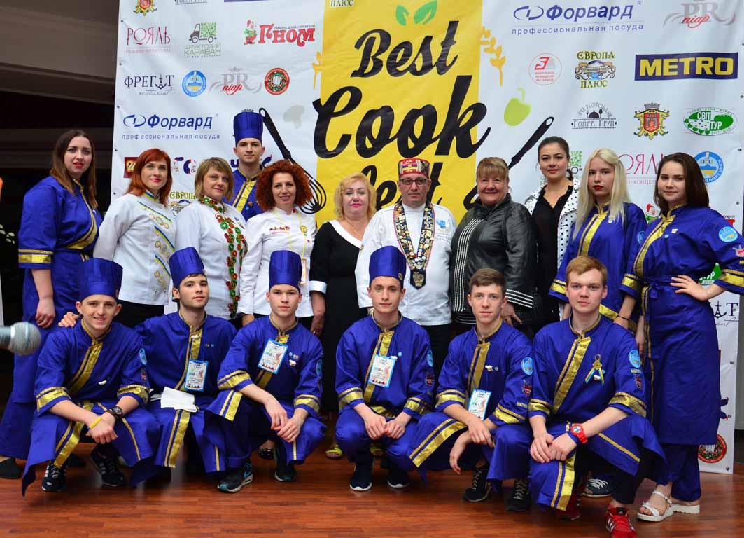 Харьковчане сразили иностранцев сахарными цветами (ФОТО)