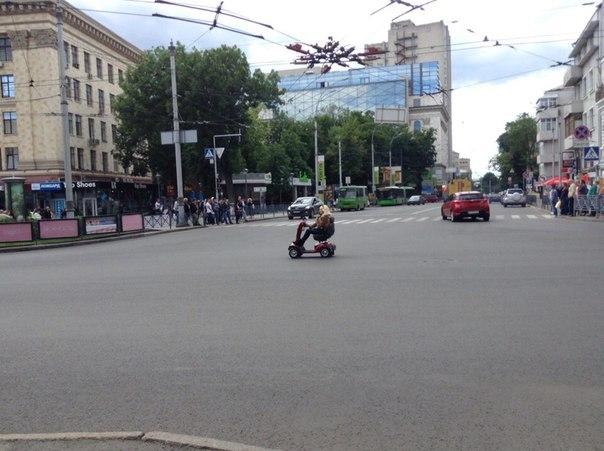 Дедушка сразил пешеходов наповал (ФОТО)