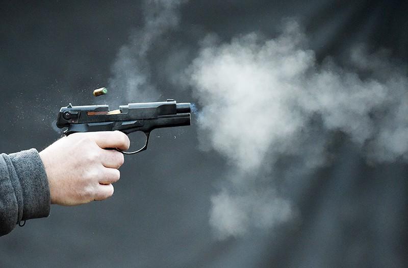 Любовник выстрелил в спину своей любовницы на глазах у прохожих
