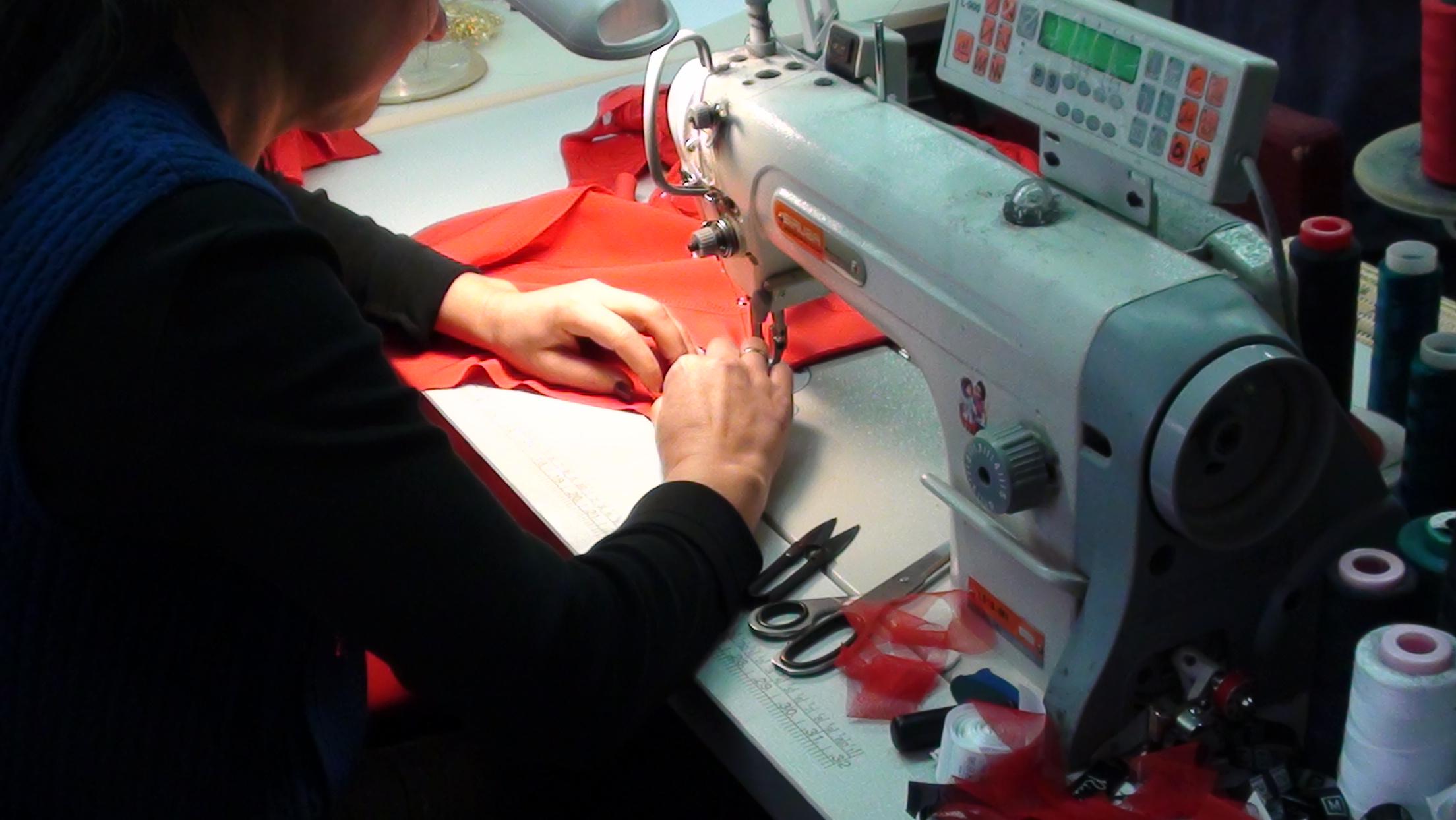 Харьковских модниц обшивал многорукий умелец