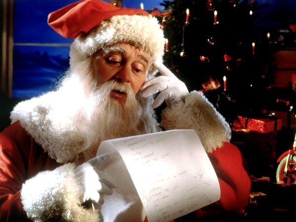 Діти з інтернату написали листи Діду Морозенку
