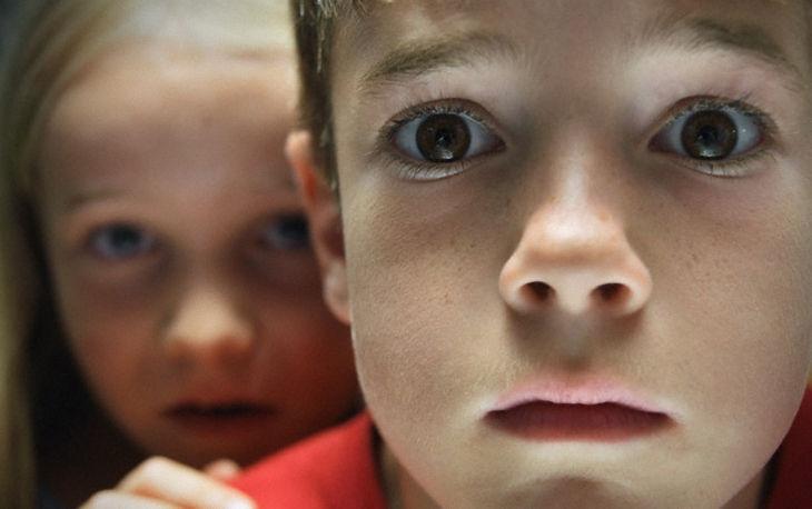 Труп на лавочке шокировал харьковских школьников (ФОТО)