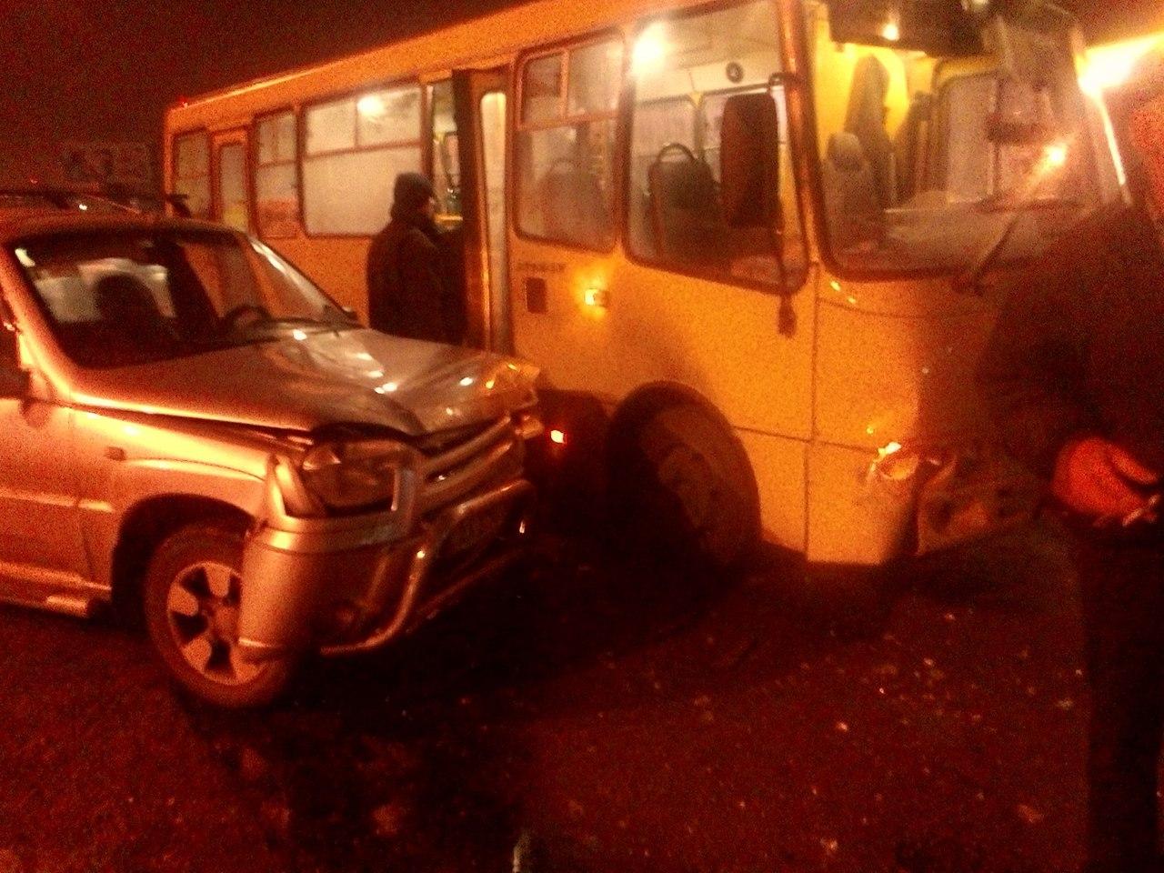 Пассажиров харьковского автобуса подставили под удар