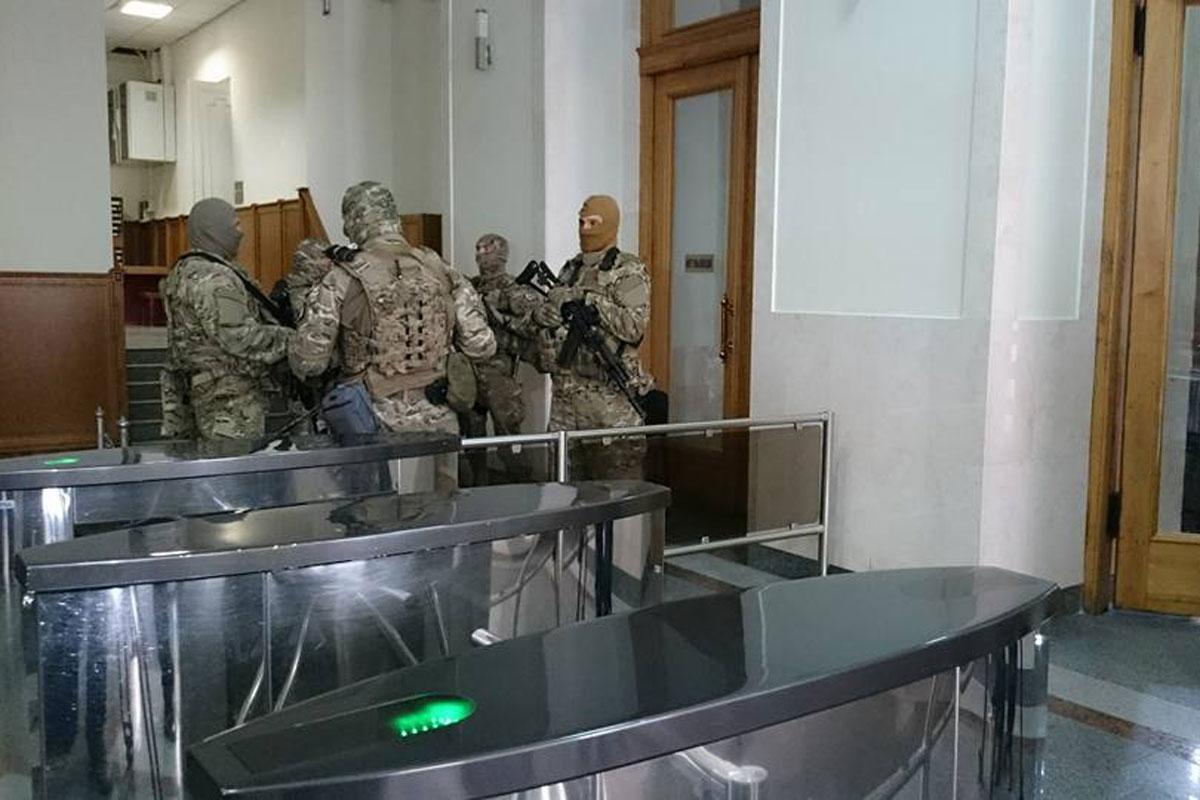 Правоохранители нагрянули в Харьковскую мэрию (дополнено)