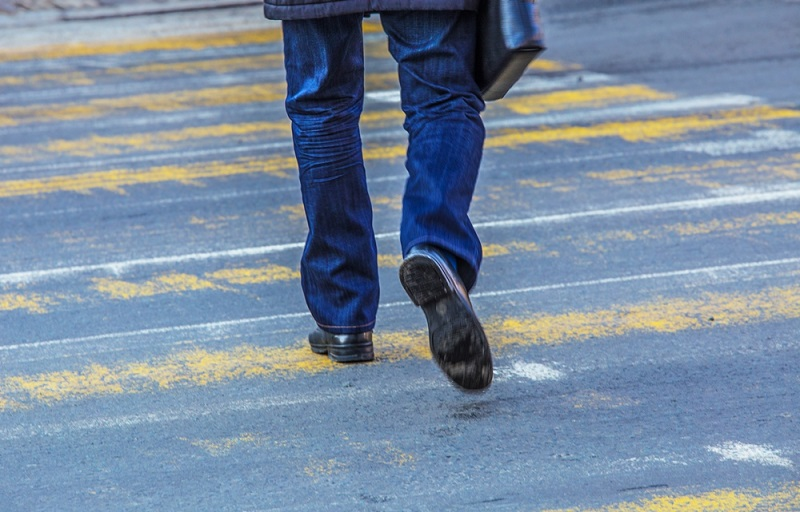 Пешеходов в Харькове обложили штрафами