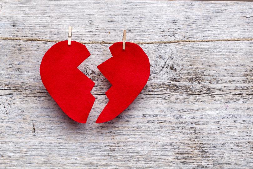В Харькове коммунальщики разрушают любовь (ФОТО)