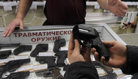 Харьковчане от страха стали скупать оружие