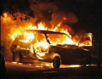 Автомобиль взорвался в Харькове (ВИДЕО)