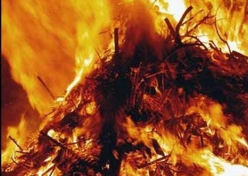 Черный дым напугал жителей Салтовки (ФОТО)