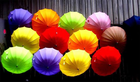 Порошенко отобрал зонты у коррупционеров