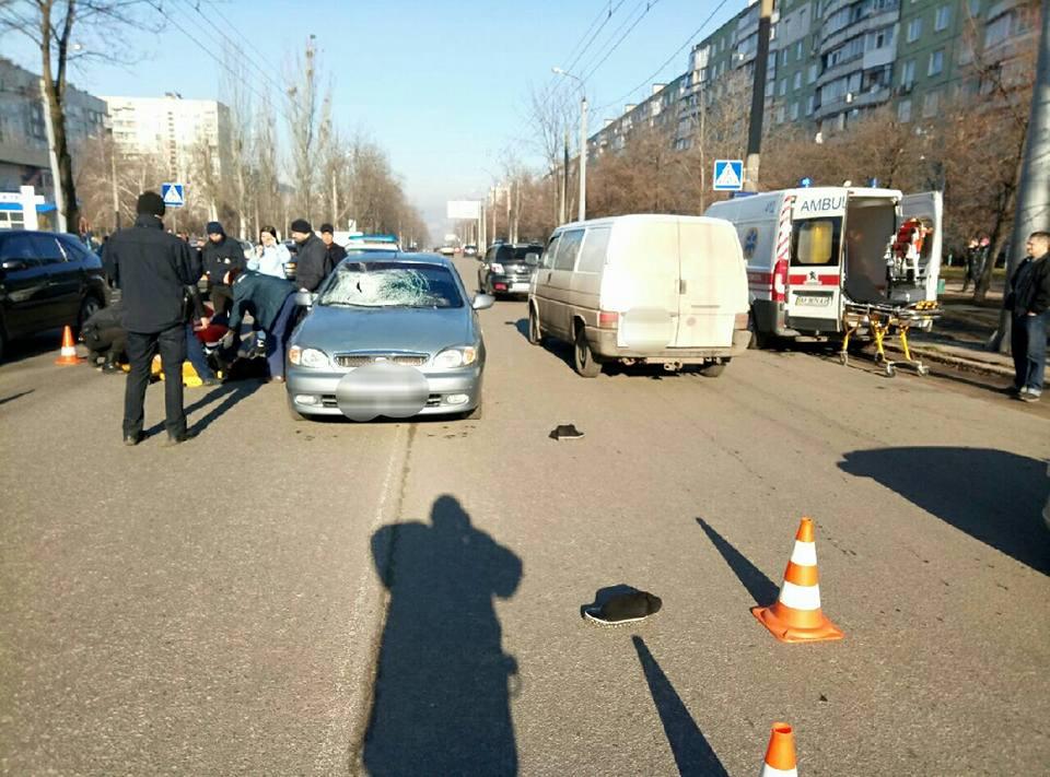 ЧП в Харькове. Две женщины получили травмы (ФОТО)