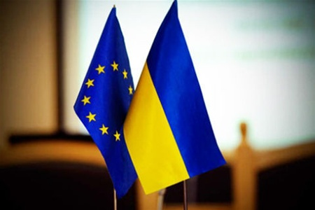 Украинцы не смогут поехать за границу как при визовом режиме, так и при безвизовом - эксперт