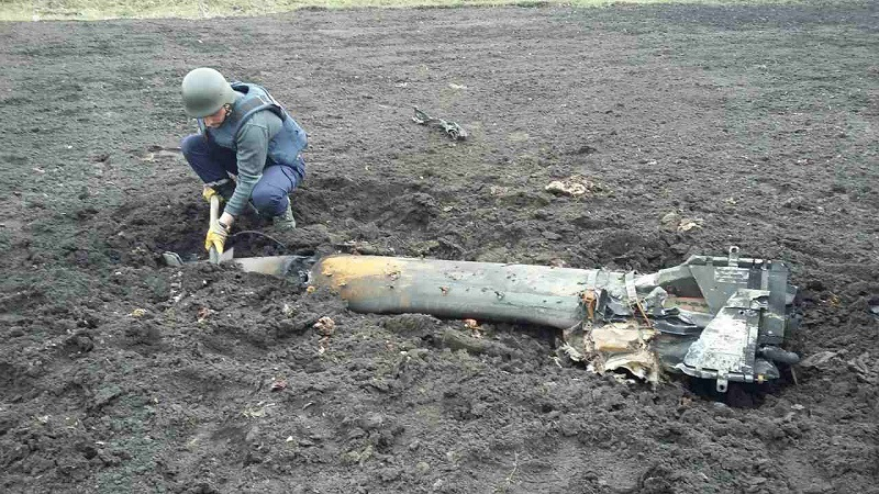 Поля возле Балаклеи превратились в кладбище снарядов (Фото, Видео)