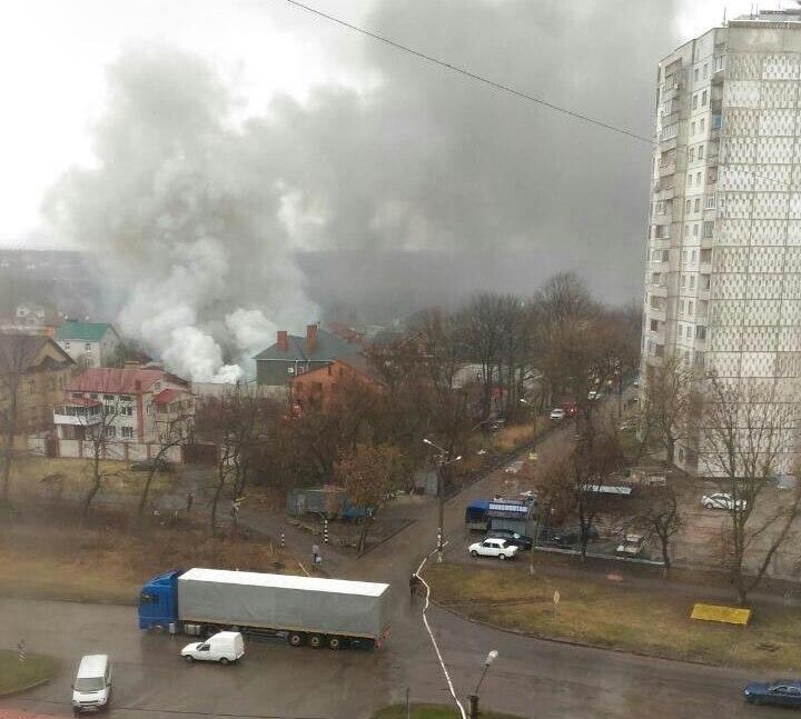 Черный дым окутал Салтовку (Фото, видео)