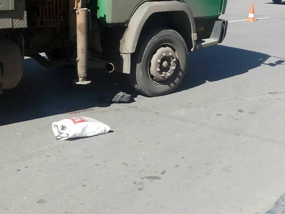 Женщина погибла в Харькове (фото)