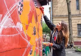 В Харькове молодежь попросили бесплатно поработать