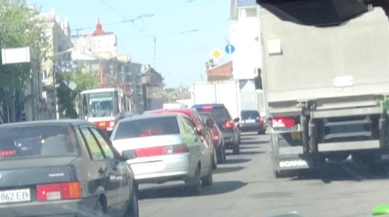 Ключевая магистраль Харькова заблокирована (фото)