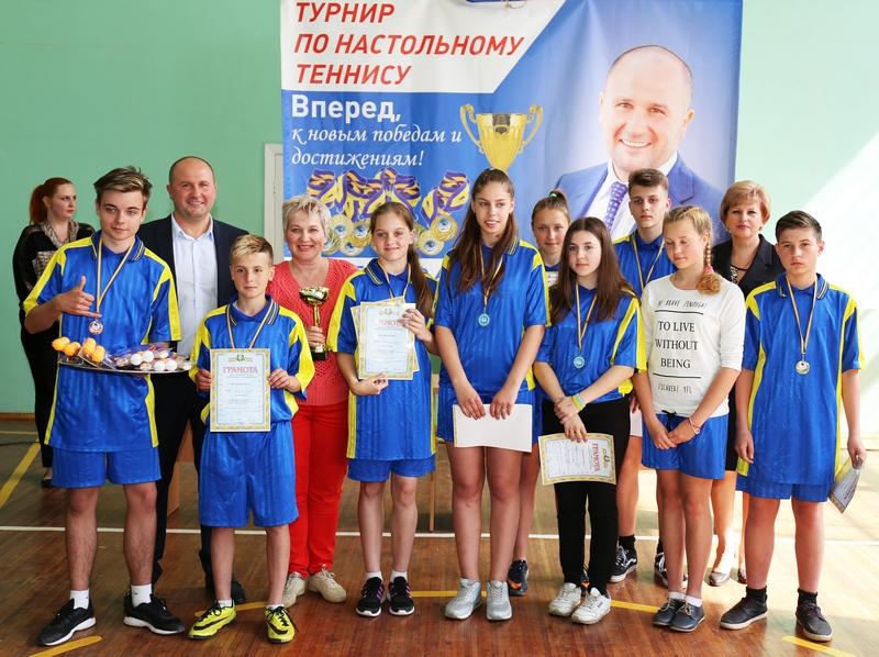 Харьковские школьники поборолись за первенство в турнире по настольному теннису (фото)