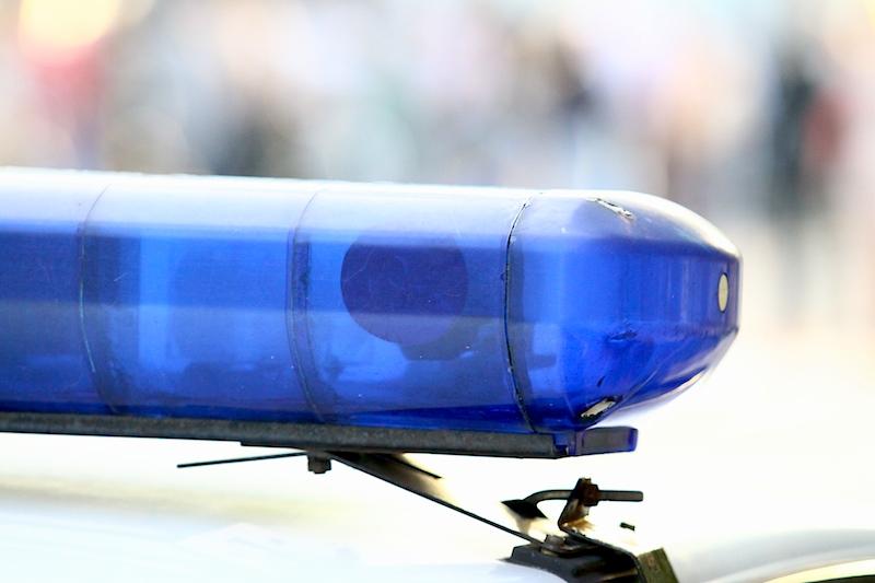 Правоохранители спасли пьяного водителя от разъяренных родителей (фото)