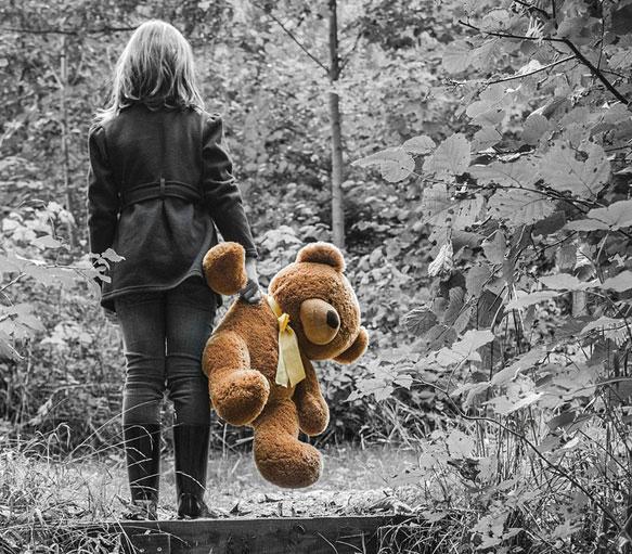 Сбежавших школьниц нашли далеко за пределами Харькова (фото)
