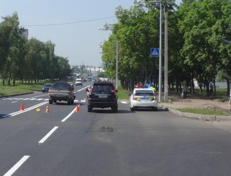 Новая дорога доставила неприятности харьковским водителям (фото)