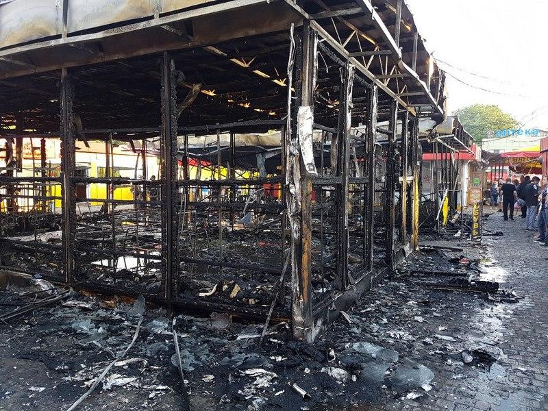 Крупное ЧП в Харькове. Уничтожено несколько магазинов (фото)
