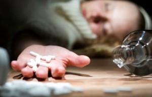 Два человека отравились лекарствами в Харькове, один из них умер