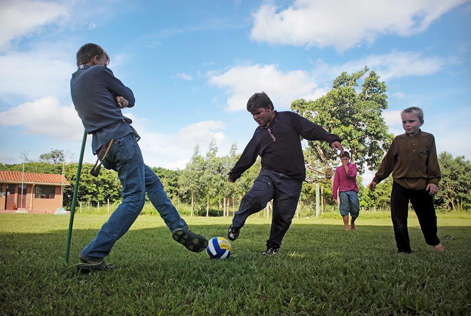 На Харьковщине школьники попали под суд из-за игры в футбол