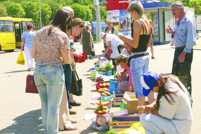 Харьковчанам запретили покупать продукты на рынках