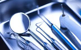 Странный гость харьковской стоматологии напугал дюжих охранников