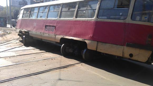 Лихачка на трамвае оставила харьковчанина без ноги
