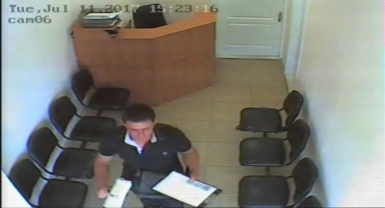 В харьковском супермаркете ограбили администратора (фото)