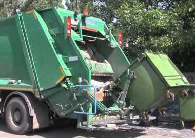 Комедия абсурда в Харькове. Водитель мусоровоза шокировал полицию