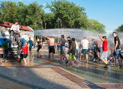 Водный беспредел устроили в центре Харькова (фото)