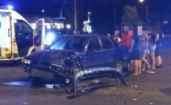 Таксист спровоцировал крупное происшествие в Харькове (фото)