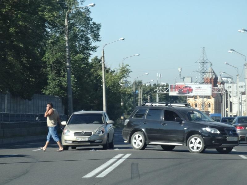 Жителям Харькова испортили пятницу с самого утра (фото, видео)