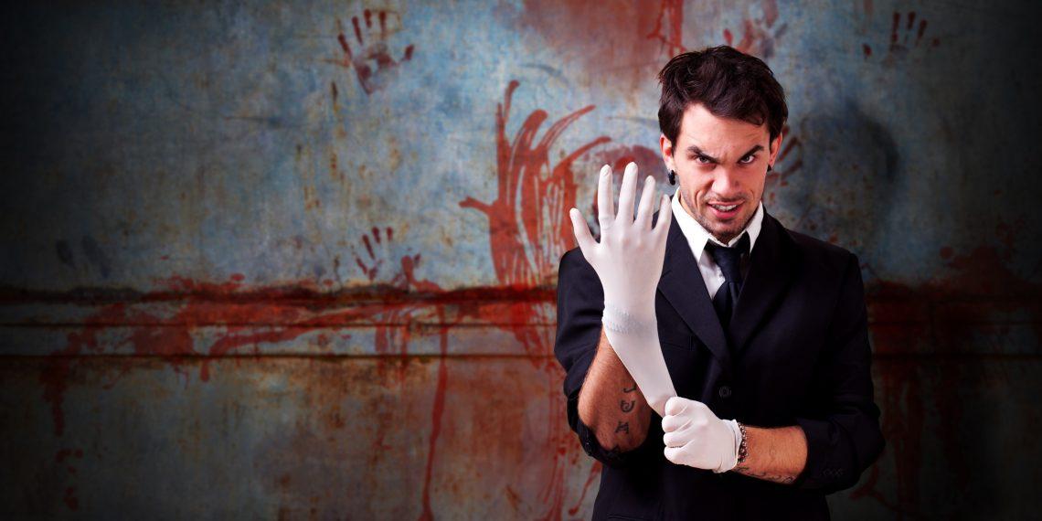 Неизвестный парень под гипнозом выманил деньги у жительницы Харькова